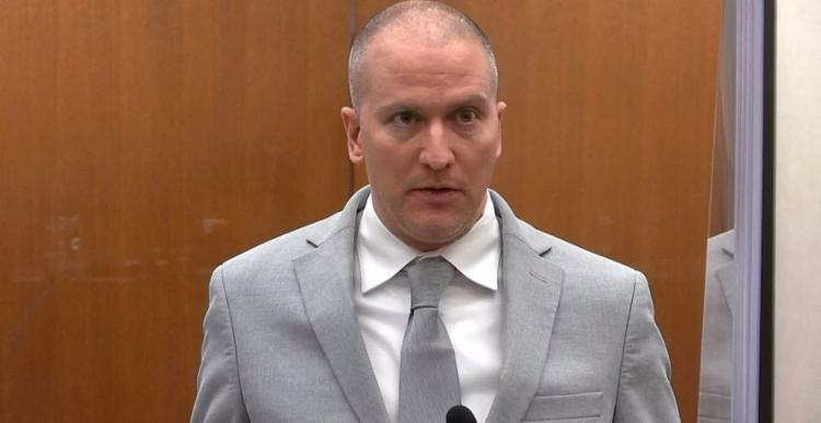 Chauvin acusa o estado de má conduta prejudicial e cita uma lista de questões como a seleção do júri | Foto: Court TV | AFP - Foto: Court TV | AFP
