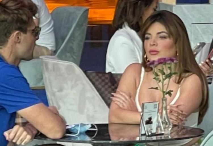 Os dois foram flagrados conversando em um restaurante | Foto: Reprodução | Coluna Leo Dias - Foto: Reprodução | Coluna Leo Dias