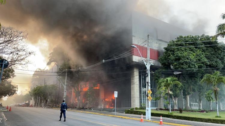 Fogo começou no almoxarifado do prédio | Foto: Divulgação | Ascom | TJ-CE - Foto: Divulgação | Ascom | TJ-CE