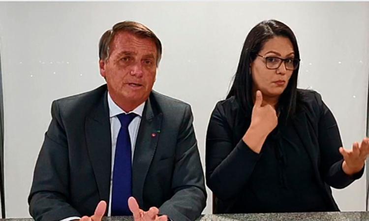 Durante live semanal, Bolsonaro disse que Temer colaborou com a nota   Foto: Reprodução Facebook   live   Jair Bolsonaro 9/9/2021 - Foto: Reprodução Facebook   live   Jair Bolsonaro 9/9/2021