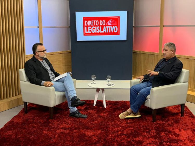Jefferson Beltrão, jornalista da rádio A TARDE FM, abre a série entrevistando o deputado Rosemberg Pinto (PT)   Foto: Gabriela Marques   Divulgação - Foto: Gabriela Marques   Divulgação