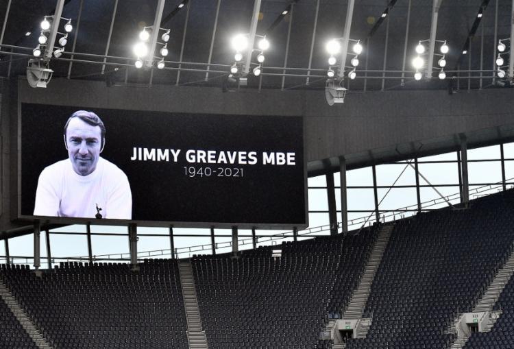 Jimmy Greaves foi homenageado antes da partida do Tottenham, clube do qual ele é ídolo, contra o Chelsea | Foto: Justin Tallis | AFP - Foto: Justin Tallis | AFP