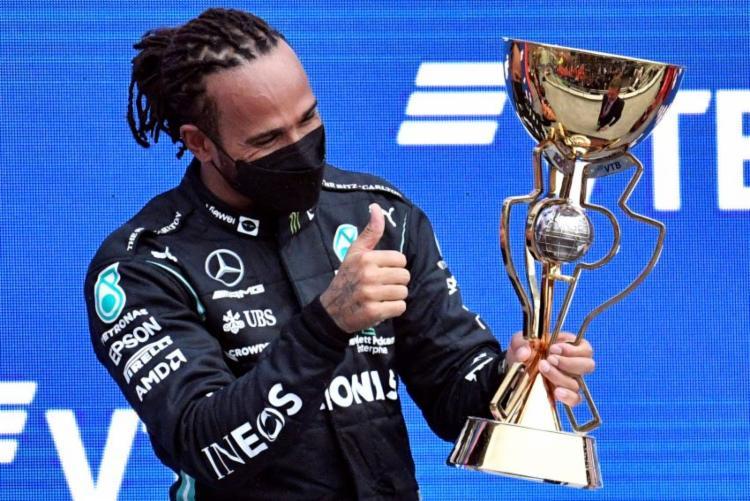 O britânico Lewis Hamilton, da Mercedes, chegou à vitória de número 100 na Fórmula 1 | Foto: Alexander NEMENOV / AFP - Foto: Alexander NEMENOV / AFP