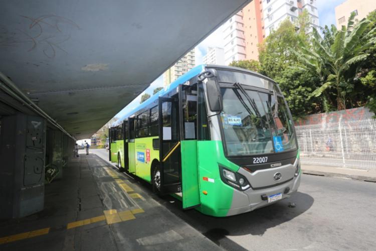 Linhas serão as primeiras de um total de sete que irão operar com os ônibus durante este mês de setembro e início de outubro | Foto: Olga Leiria | Ag. A TARDE - Foto: Olga Leiria | Ag. A TARDE