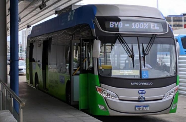 Ônibus contam com investimento maior, mas exige gastos menores para manutenção