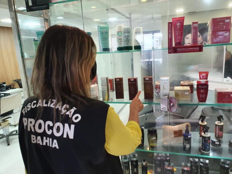 Exposição de produtos impróprios foi uma das infrações | Foto: Divulgação | Procon - Foto: Divulgação | Procon