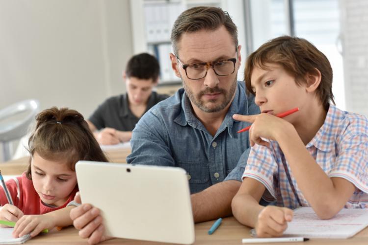 Para educador do Ensino Fundamental II, deficiência na leitura atrapalha o entendimento da disciplina. - Foto: Divulgação