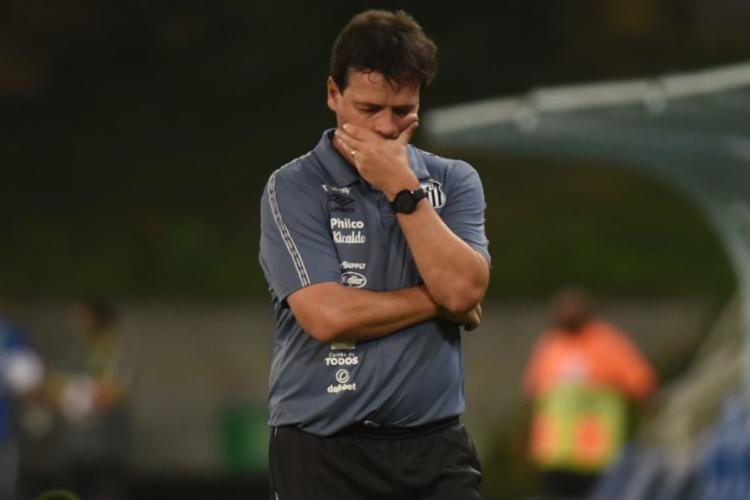 Equipe paulista soma seis jogos sem vencer e se aproxima da zona de rebaixament - Foto: Ivan Storti/Santos FC
