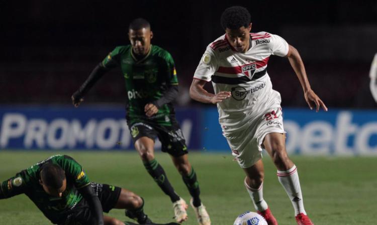 Resultado deixa o Coelho fora da zona do rebaixamento   Foto: Rubens Chiri   São Paulo FC - Foto: Rubens Chiri   São Paulo FC