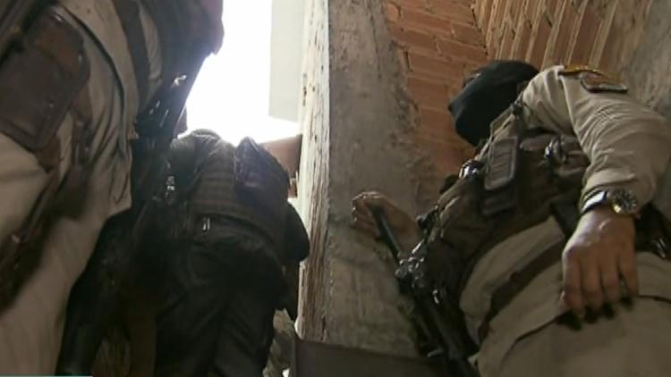 Bandidos exigem a presença do Bope | Foto: Reprodução/ Record Tv - Foto: Reprodução/ Record Tv