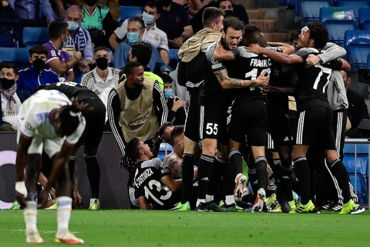O time da Moldávia surpreendeu, segurou a pressão dos merengues e conseguiu uma vitória histórica em pleno Santiago Bernabéu | Foto: Javier Soriano | AFP - Foto: Javier Soriano | AFP