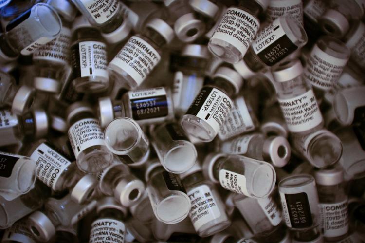 Atualmente, 75% de todas as vacinas administradas no mundo estavam em apenas dez países | Foto: Martin Bureau | AFP - Foto: Martin Bureau | AFP