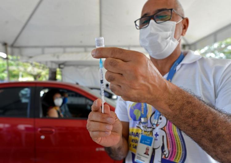 A vacinação será retomada na próxima quarta (8)   Foto: Shirley Stolze   Ag. A TARDE - Foto: Shirley Stolze   Ag. A TARDE