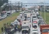 Motociclistas fazem novo protesto na Av. Paralela contra o aumento da gasolina | Foto: