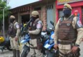 Homens armados fazem arrastão em ponto de ônibus da Av. Suburbana | Foto: Reprodução | TV Bahia