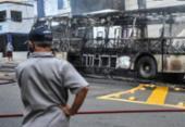 Fotos: ônibus pega fogo na Barra | Foto: