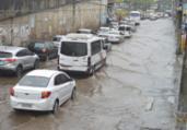 Bairros de Salvador ficam sem luz após forte chuva   Shirley Stolze   Ag. A TARDE