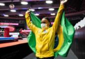Rebeca cai na trave e encerra Mundial com 2 medalhas   Philip Fong   AFP