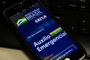 Caixa paga auxílio emergencial a nascidos em abril e maio neste sábado | Marcello Casal Jr.I Agência Brasil
