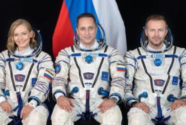 Atriz e diretor russos decolam com sucesso para gravar primeiro filme no espaço | NASA