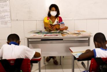 Professora cria projeto para doar livros aos alunos de Pernambués | Bruna Rocha | Agência Mural | 13.10.2021