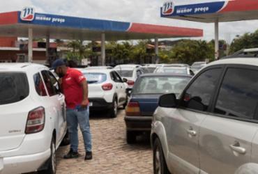Gasolina é vendida a mais de R$ 7 em Salvador e motoristas reclamam: 'Insustentável' | Felipe Viterbo/A TARDE