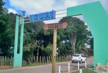 Promotora flagra carro oficial e funcionários da Prefeitura de Iguaí em evento particular