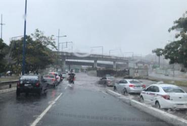 Nada de praia! Fim de semana será de chuva em Salvador | Xando Pereira | Ag. A TARDE
