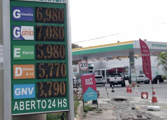 Alta de preços dos combustíveis motiva novos protestos no estado | Uendel Galter | Ag. A TARDE