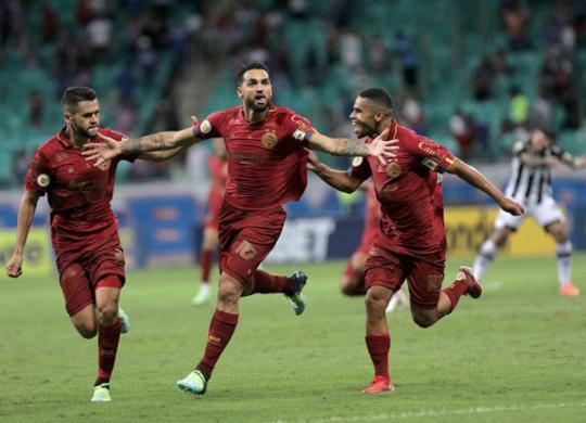 Gilberto volta a marcar, mas Bahia empata com Ceará e perde chance de se distanciar do Z-4 | Uendel Galter | Ag. A TARDE