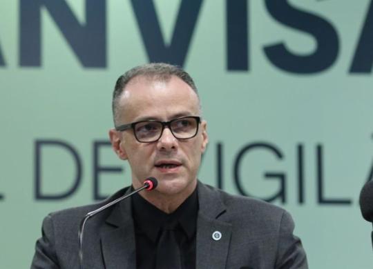 Presidente da Anvisa rebate Bolsonaro: 'Vacinas aprovadas não induzem a doença'   Fabio Rodrigues Pozzebom/Agência Brasil