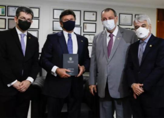 Cúpula da CPI entrega relatório final ao presidente do STF | Roberto Stuckert | Divulgação