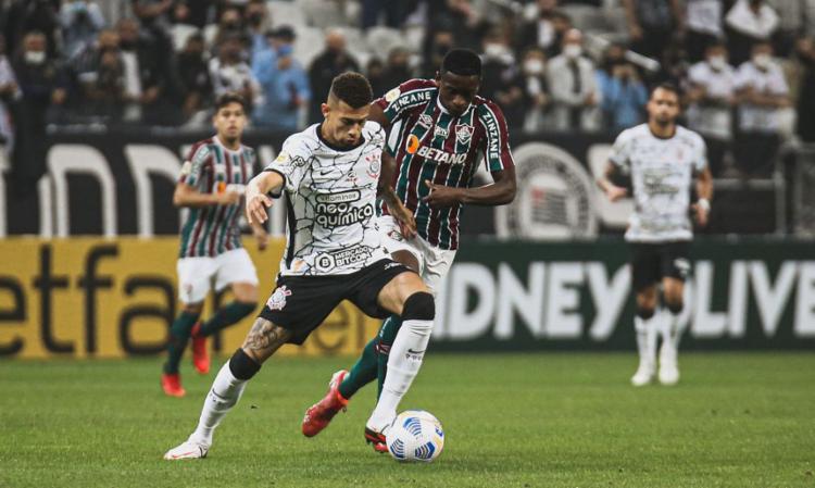 Gabriel Pereira garantiu o triunfo do Timão com belo gol | Foto: Lucas Mercon | Fluminense FC - Foto: Lucas Mercon | Fluminense FC