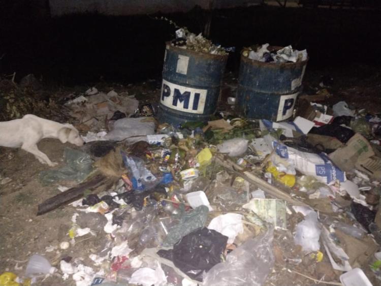 Prefeito diz que coleta é feita diariamente e que montante de lixo pode ter sido casual - Foto: Reprodução - Foto: Reprodução